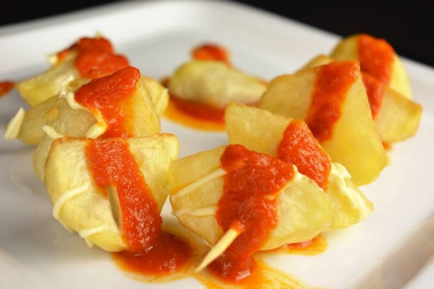 Paso 4 de Receta de patatas bravas con salsa casera picante