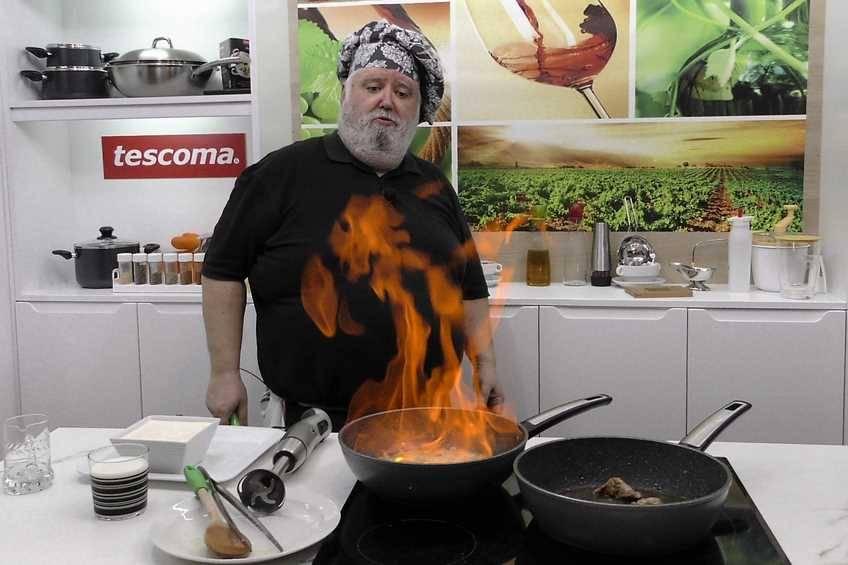 Paso 5 de Solomillo de cerdo con salsa Strogonoff
