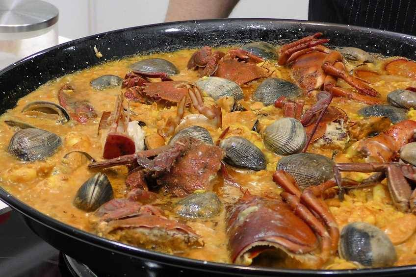 Paso 5 de Arroz con bogavante, receta casera
