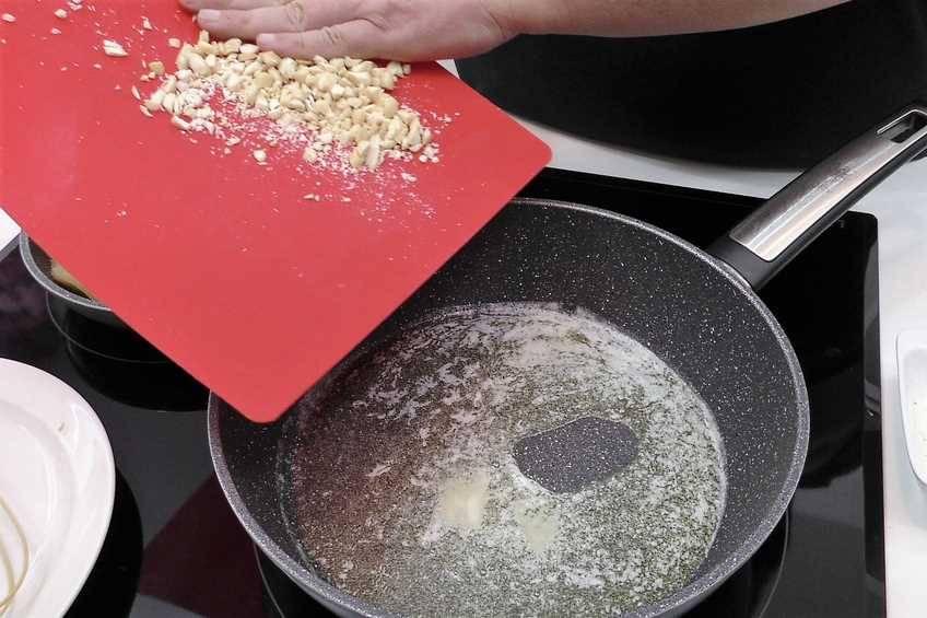 Comenzamos a cocinar la bechamel
