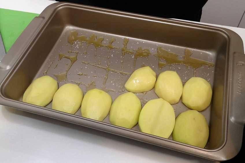 Paso 1 de Besugo al horno con patatas