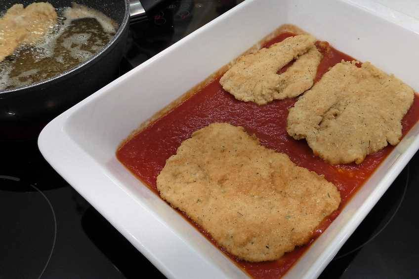 Paso 2 de Receta de pollo a la parmesana, cocina italiana