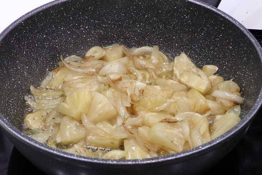 Paso 2 de Solomillo de cerdo con salsa de piña