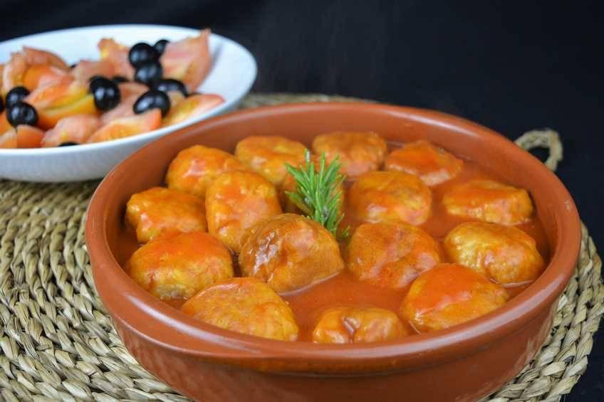 Paso 4 de Albóndigas de pollo con salsa de tomate