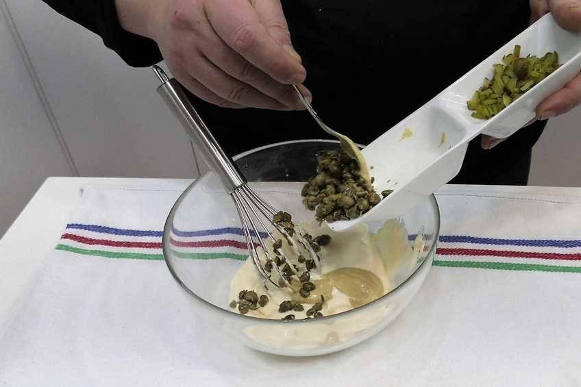 Comenzamos mezclando los ingredientes agrios