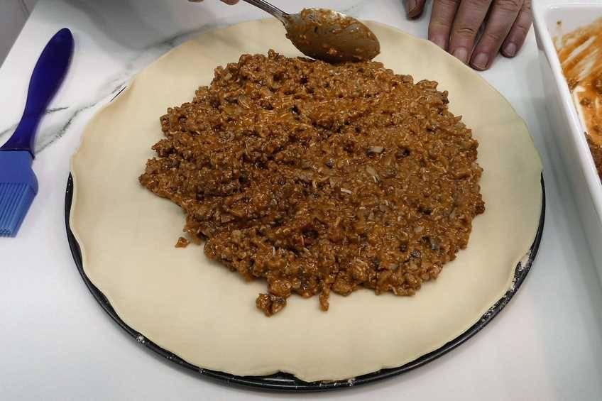 Paso 2 de Empanada de carne con masa de hojaldre