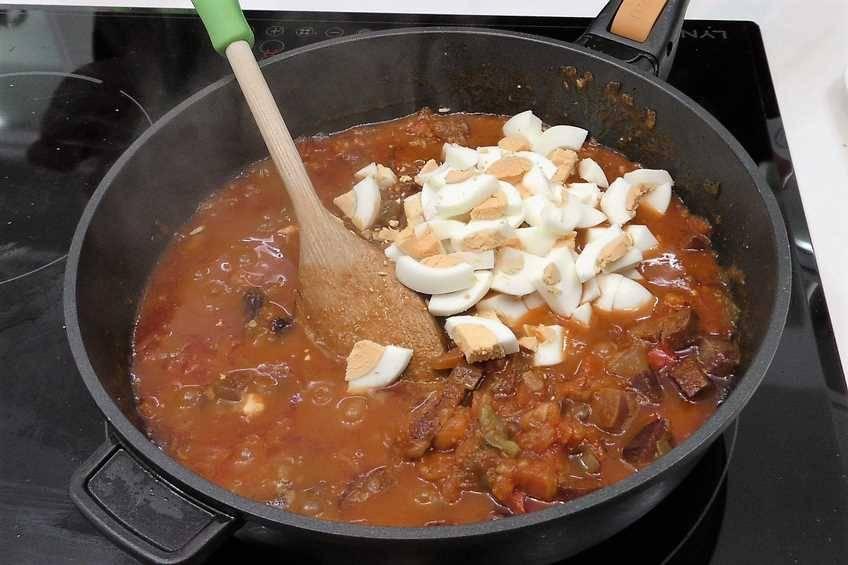 Paso 4 de Caracoles en salsa picante