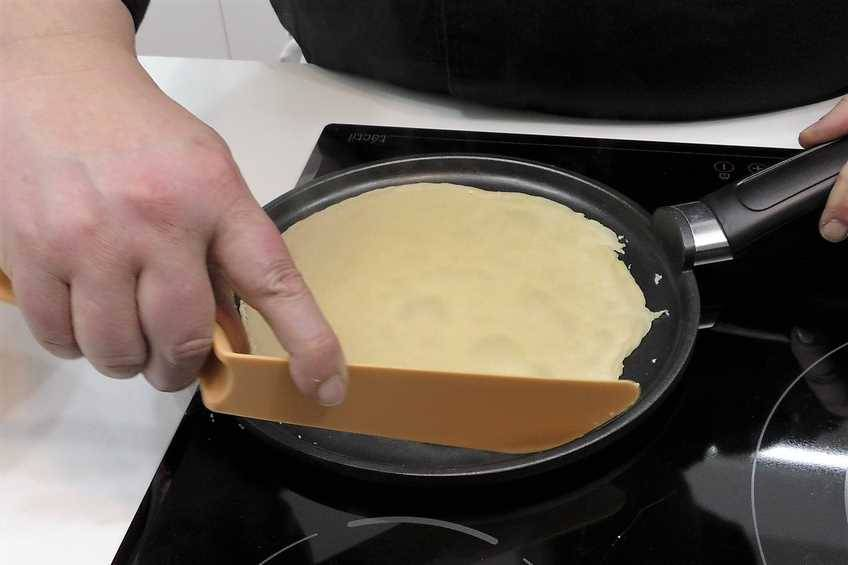 Paso 2 de Cómo hacer crepes, receta muy fácil