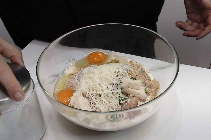 Preparar la mezcla de carne picada de pollo