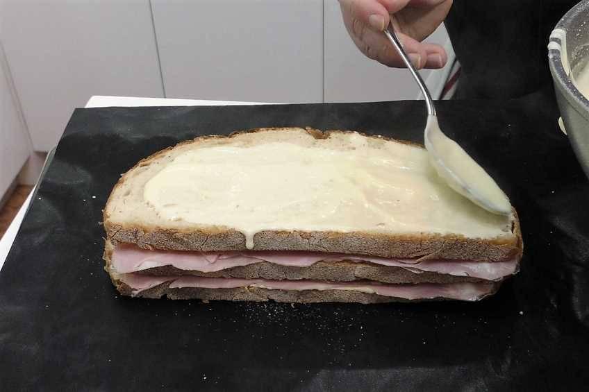 Paso 5 de Sándwich Croque Monsieur gigante