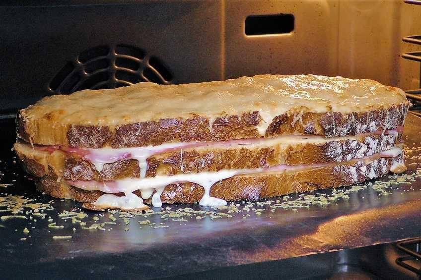 Paso 7 de Sándwich Croque Monsieur gigante