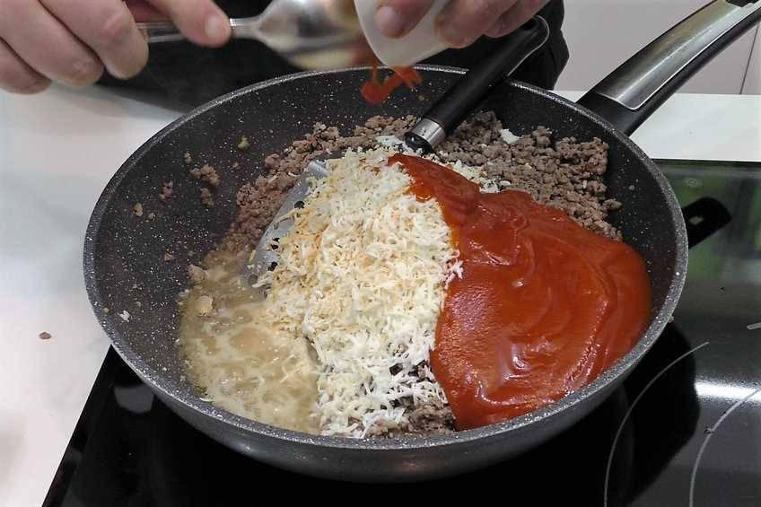 Paso 2 de Pimientos rellenos con salsa de hongos y foie