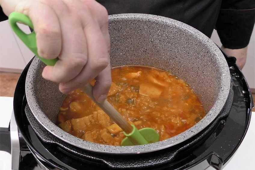 Paso 5 de Arroz con pollo y verduras en la Olla GM