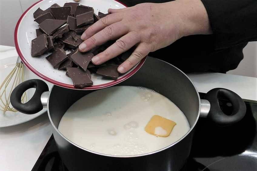 Paso 1 de Cómo hacer chocolate a la taza