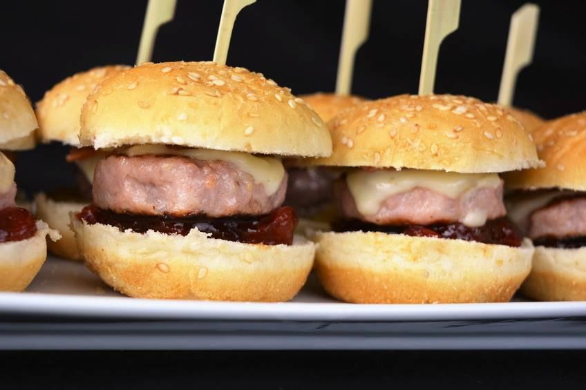 Paso 6 de Minihamburguesas con caramelizados IBSA
