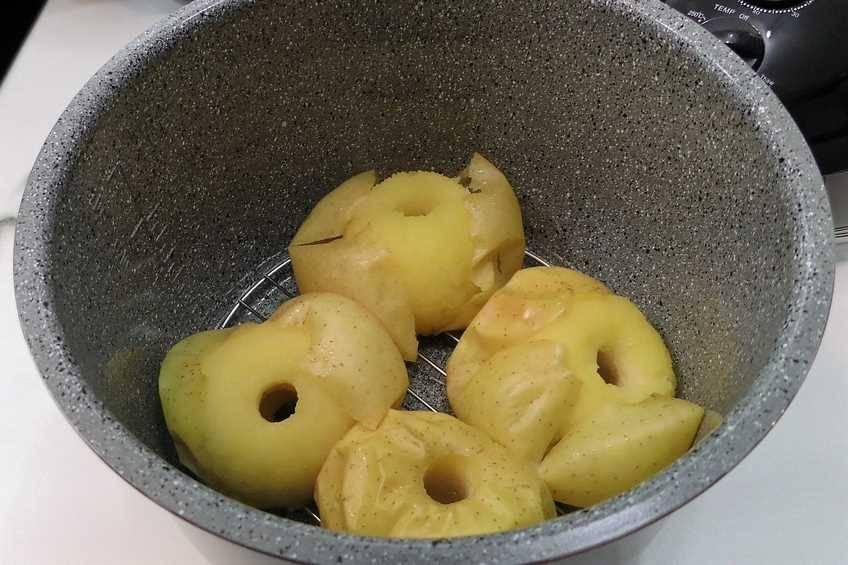 Paso 3 de Manzanas asadas con salsa toffee en la Olla GM