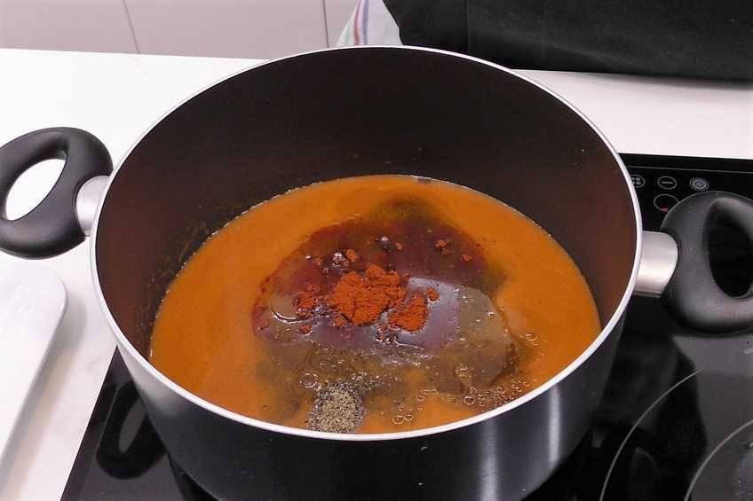 Paso 1 de Costilla asada con salsa Barbacoa