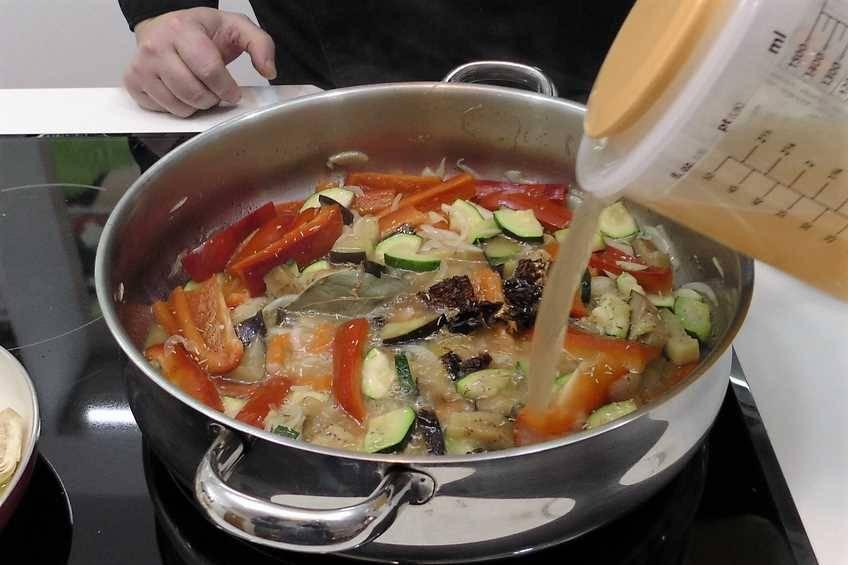 Paso 4 de Receta de pollo a la sidra natural, pollo con sabor delicado