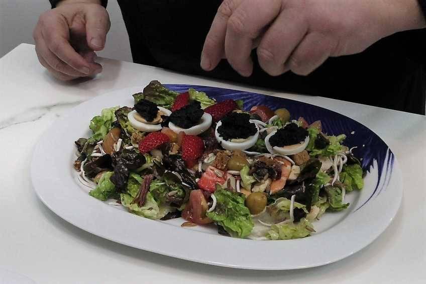 Paso 4 de Cómo hacer una ensalada completa