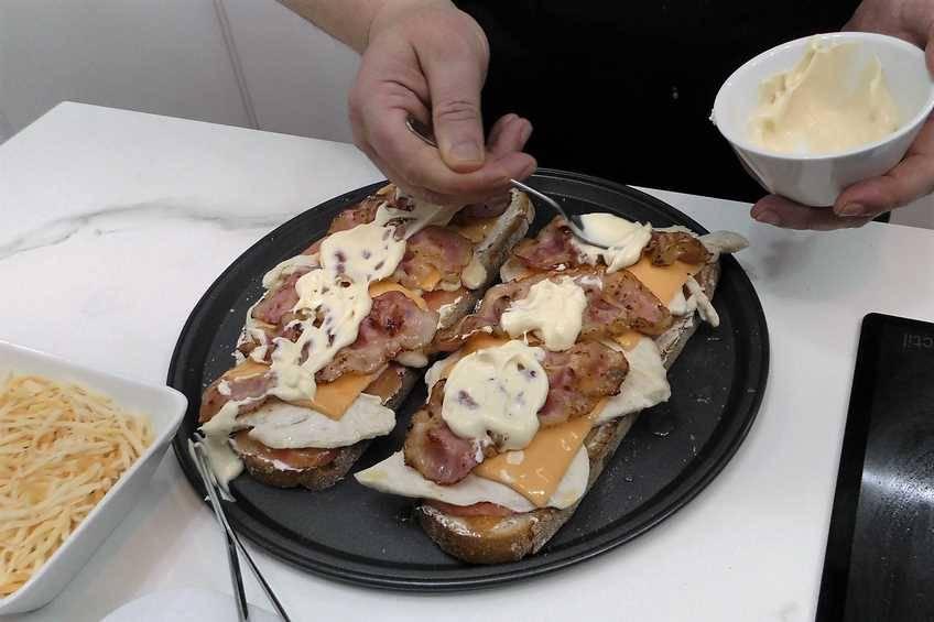 Paso 4 de Sándwich de Cocina Familiar