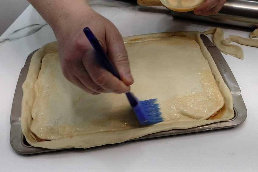 Paso 8 de Cómo hacer hornazo, receta típica de Salamanca