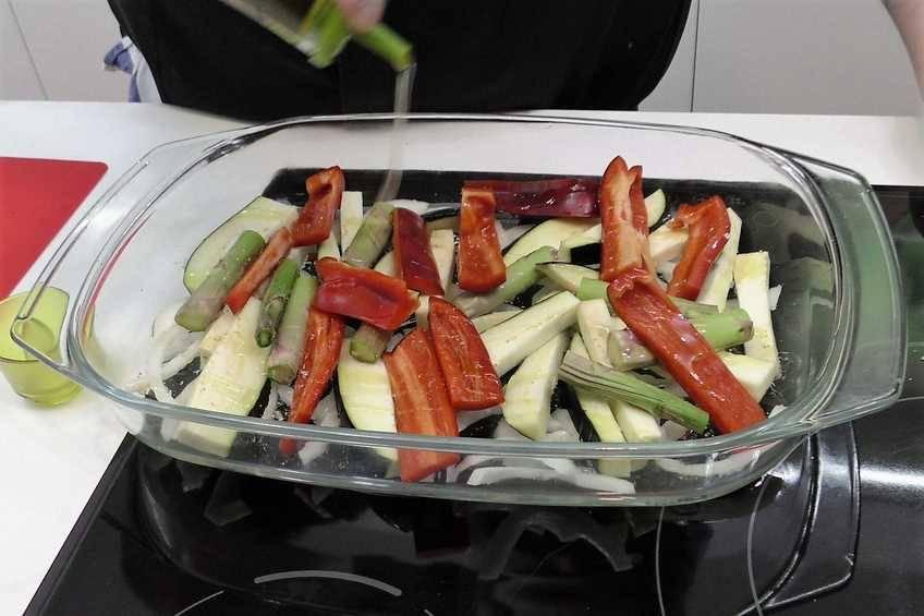 Paso 1 de Dorada al horno con verduras para dieta