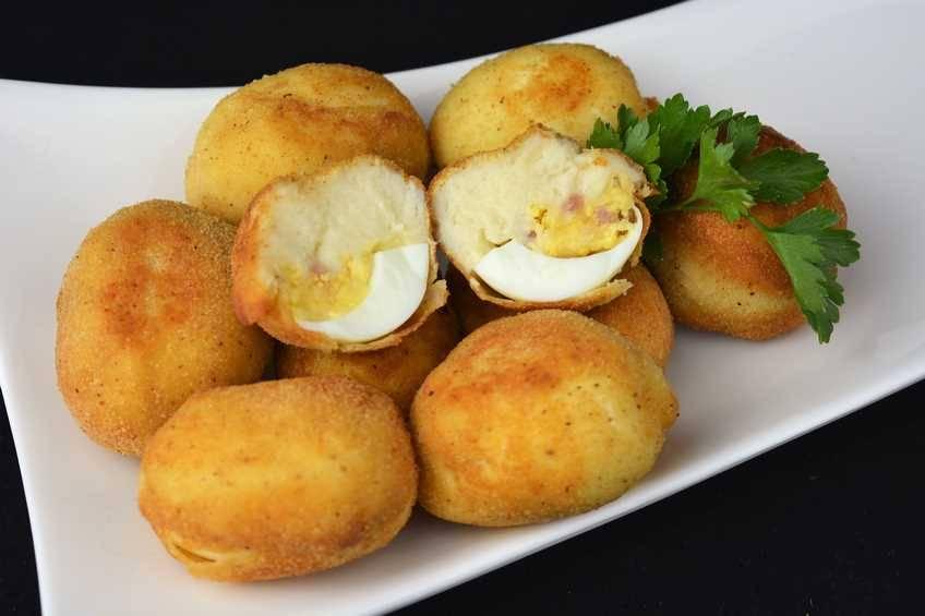 Paso 6 de Croquetas de huevo relleno de jamón y queso