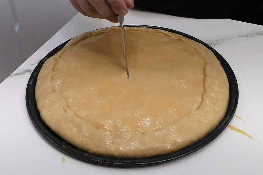 Paso 8 de Empanada gallega de carne, la auténtica