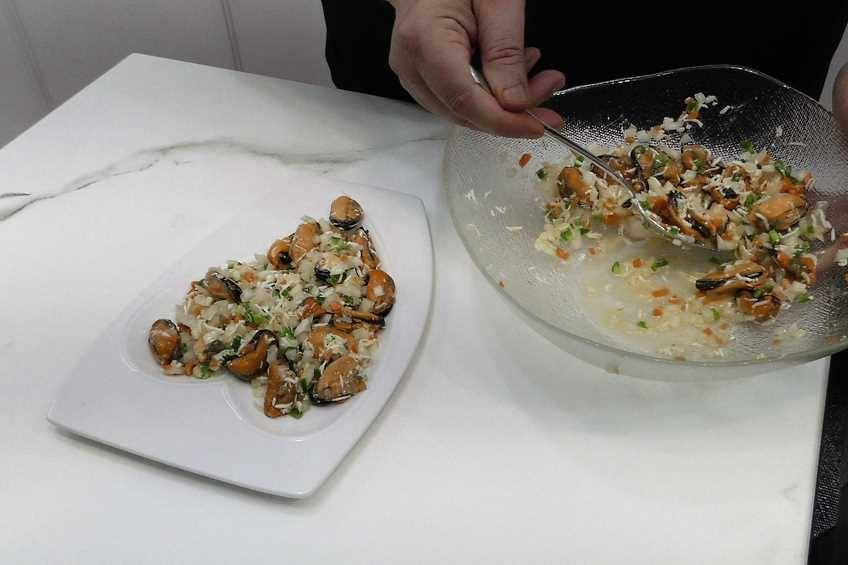 Paso 3 de Mejillones con salsa vinagreta