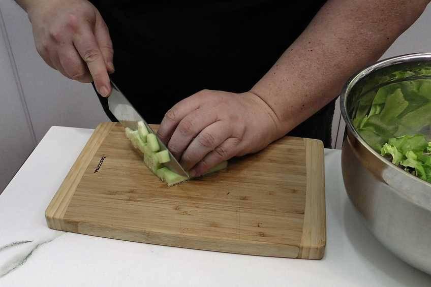Paso 1 de Tacos de pollo y ensalada