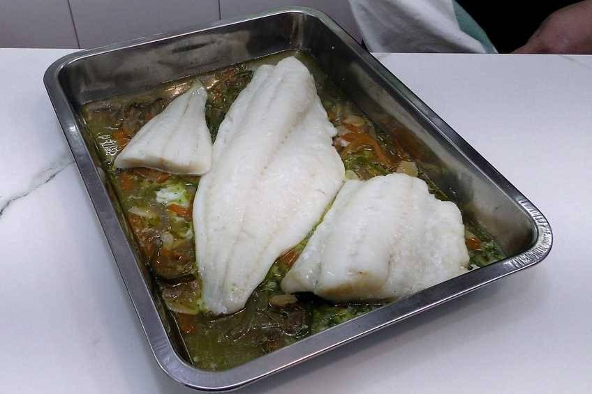 Paso 4 de Bacalao con verduras en papillote ideal para hacer dieta