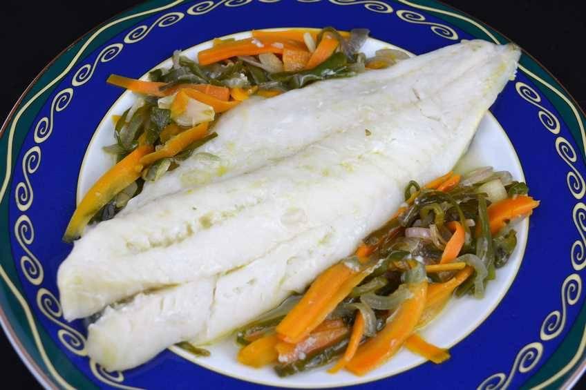 Paso 5 de Bacalao con verduras en papillote ideal para hacer dieta