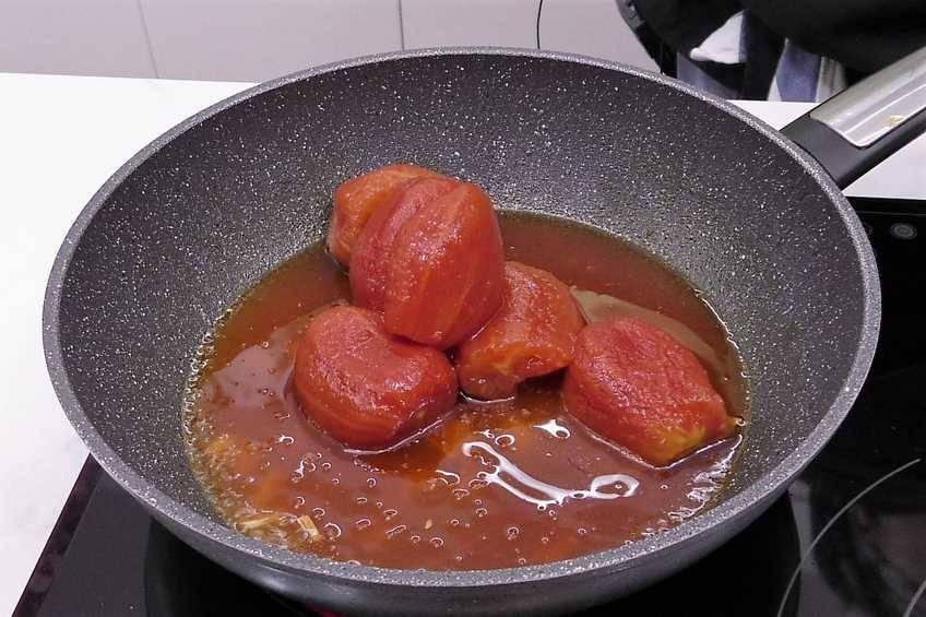 Paso 2 de Albóndigas de pollo con salsa de piquillo