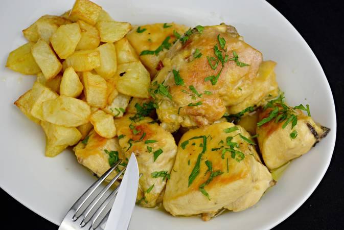 Paso 7 de Trucos para hacer la mejor receta de pollo al ajillo