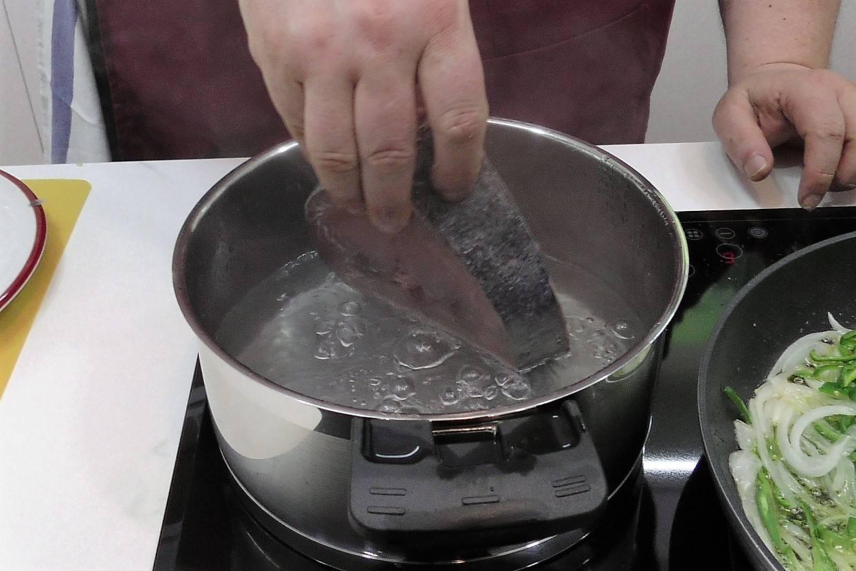 Paso 2 de Empanada gallega de atún