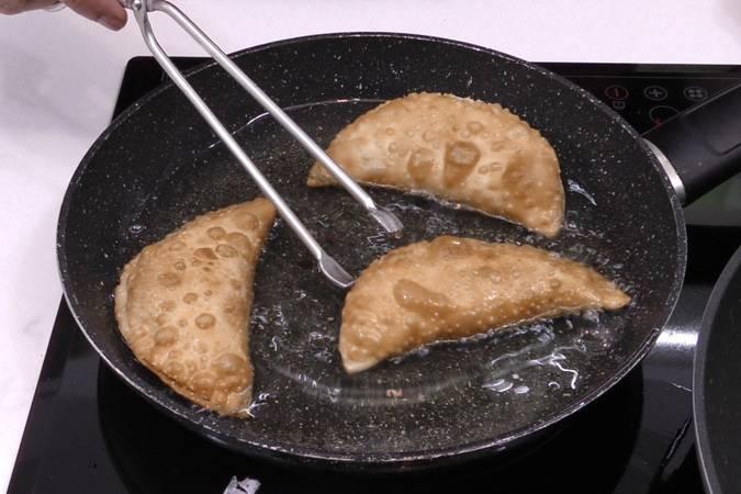 Paso 4 de Empanadillas de manzana caramelizada