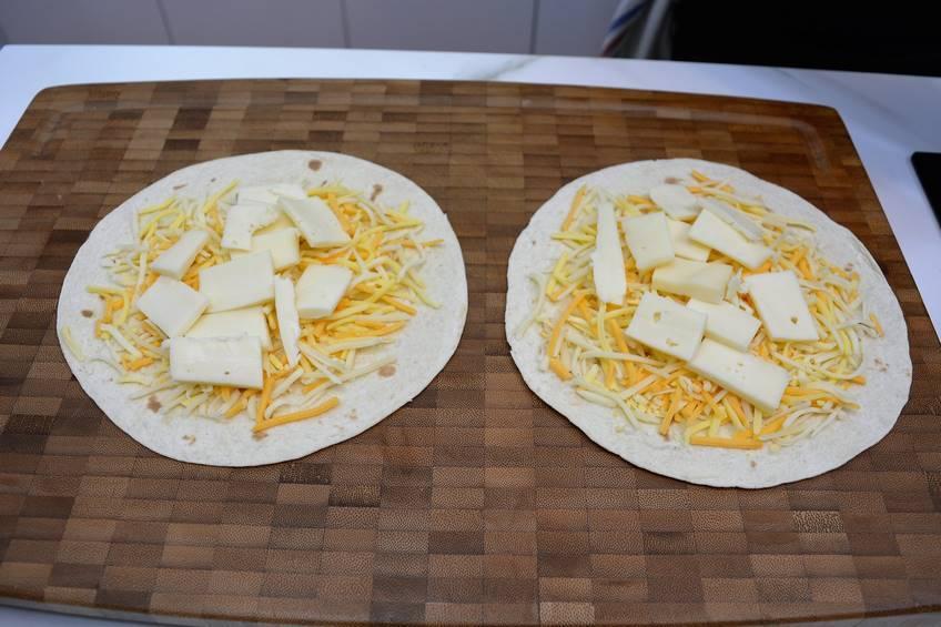 Paso 2 de Quesadillas de jamón y queso