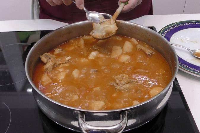 Paso 5 de Como hacer patatas con costilla de cerdo