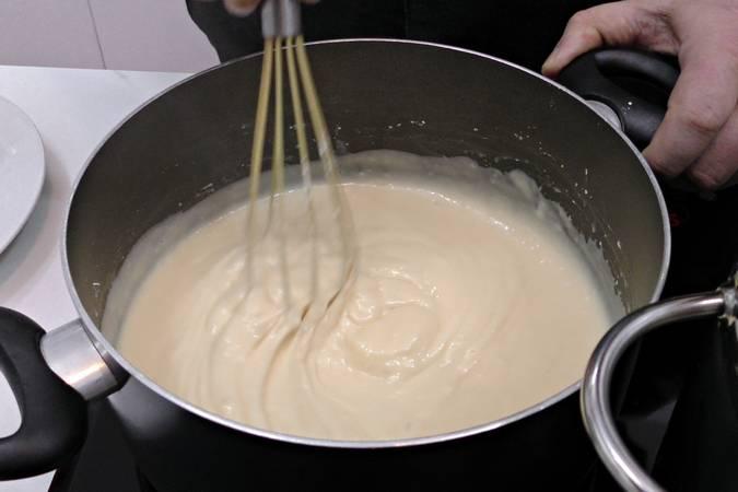 Paso 1 de Soufflé de merengue y crema pastelera