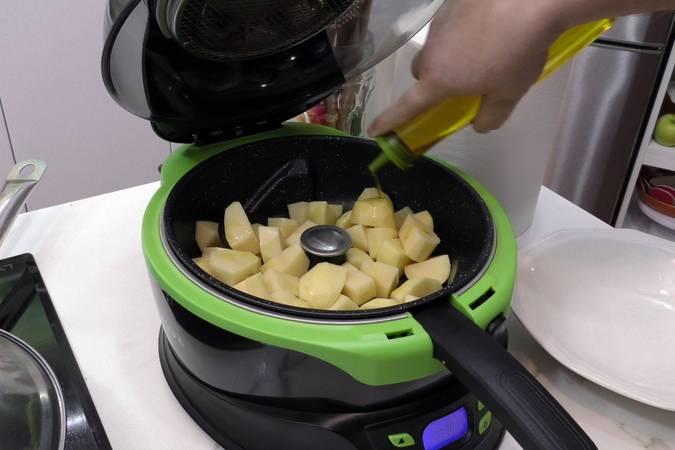 Paso 6 de Receta de pollo en salsa a la riojana con patatas
