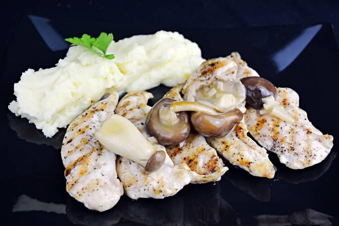 Paso 7 de Pechugas de pollo con salsa de limón
