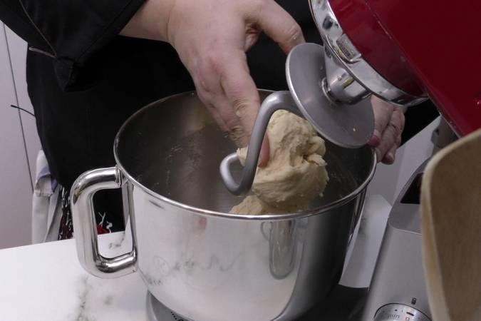 Paso 3 de Masa dulce para empanadas caseras
