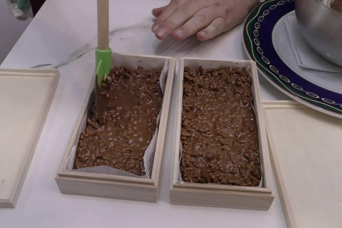 Paso 4 de Turrón de chocolate con arroz inflado