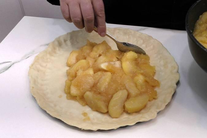 Paso 5 de Empanada de manzana muy fácil