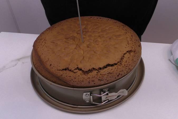 Paso 7 de Tarta de chocolate con nata