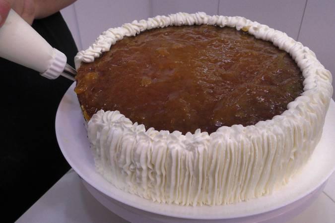 Paso 11 de Tarta de chocolate con nata