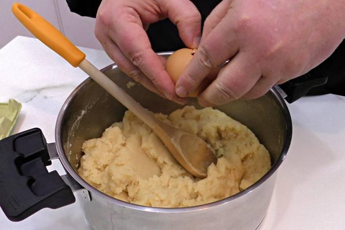 Paso 3 de Cómo hacer la masa choux para eclaires