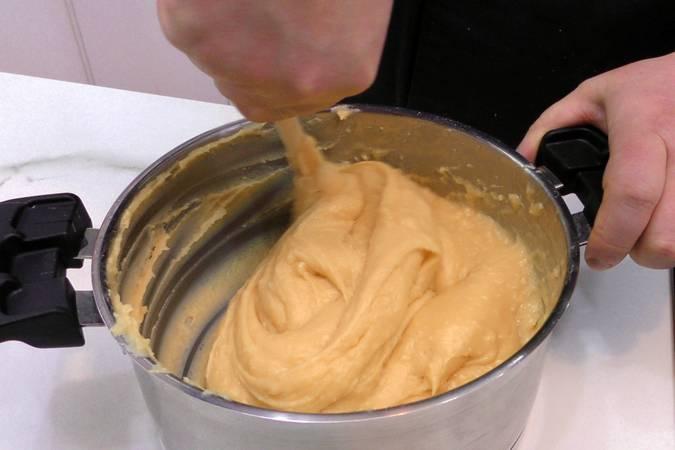 Paso 4 de Cómo hacer la masa choux para eclaires