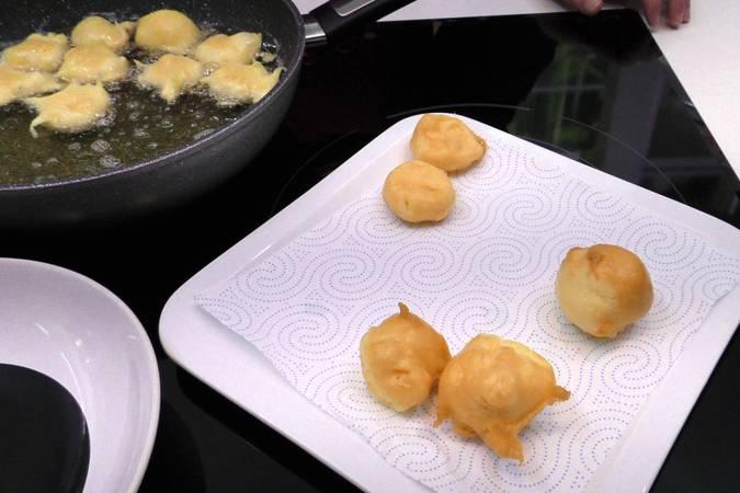 Paso 6 de Buñuelos rellenos de crema pastelera