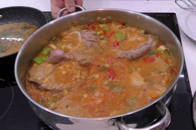 Paso 4 de Estofado de Osobuco con verduras